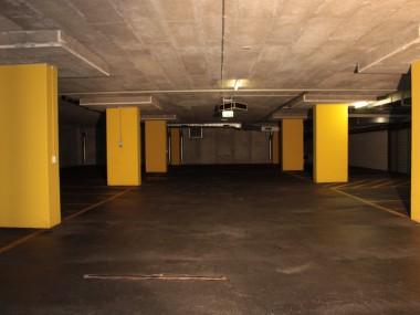 Lager/Ausstellung für Fahrzeuge, Outlet, Broki direkt beim Volkiland!
