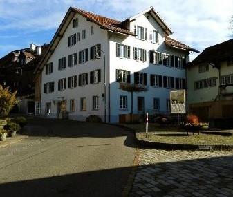 Moderne 2 Zi-Whg im Dorfkern von Opfikon