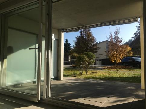Moderne 3.5 Zi.-Wohnung mit Sitzplatz