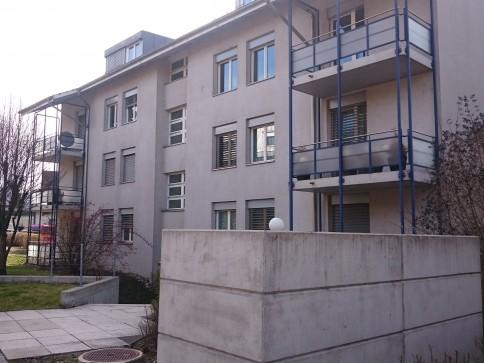 moderne helle 4.5 Zimmerwohnung 2. OG