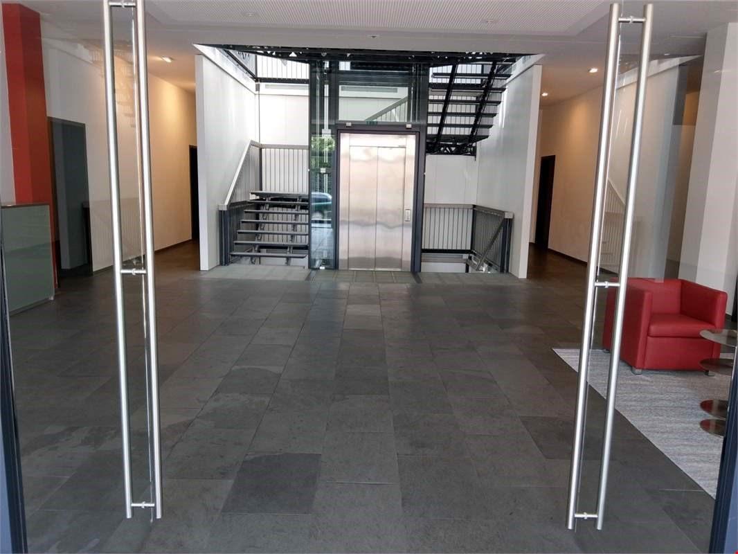 Moderne, helle Büroräume, zusammen ca. 90m2 - ImmoScout24