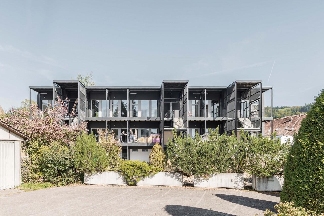 Moderne loft wohnungen in der 39 alten uhrenfabrik 39 zu for Wohnungssuche zu mieten