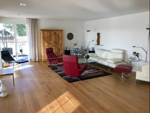 Moderne, stilvolle 5.5 Zimmer-Wohnung an bester Lage