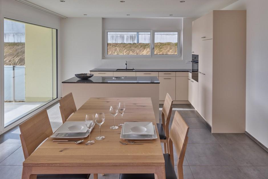 neubau wohnung mit sitzplatz immoscout24. Black Bedroom Furniture Sets. Home Design Ideas