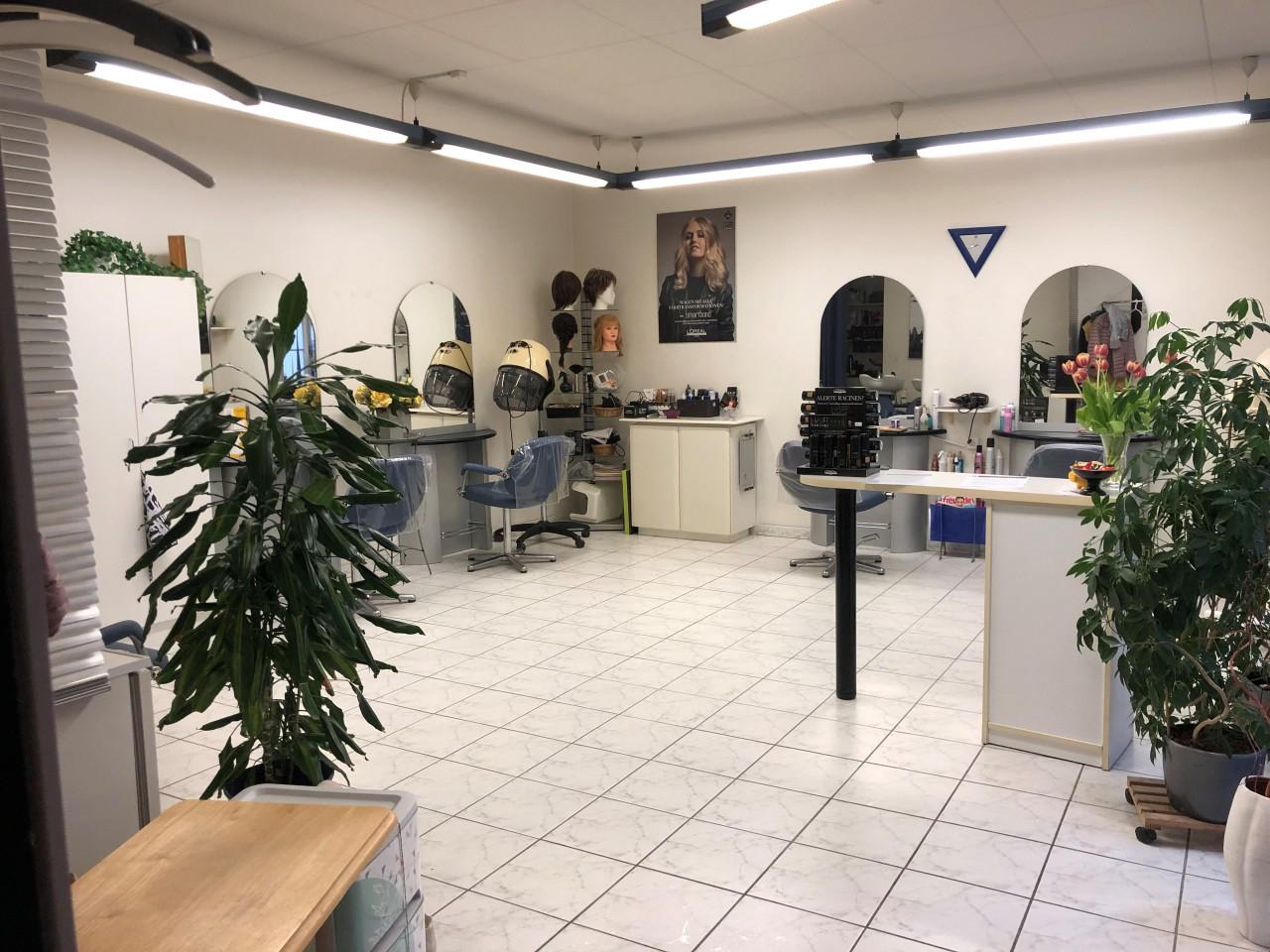 Neuchâtel centre ville - joli salon de coiffure - ImmoScout24