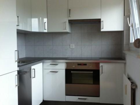 Ruhige sonnige 3 Zimmer Wohnung mit Balkon (neues Bad und Küche)