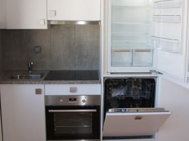 schöne renovierte 2 Zimmer Wohnung