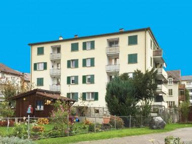 Schöne Wohnung im Hochparterre mit 2 Balkonen