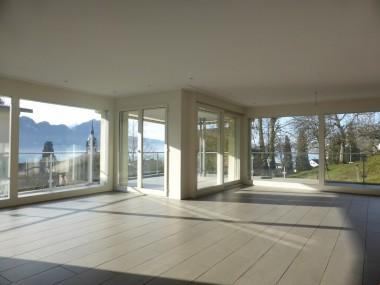 Sehr grosse, moderne und helle 5 ½ Zimmerwohnung.