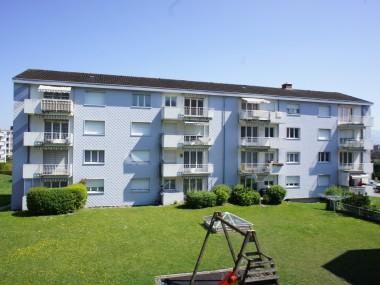 Sonnendurchflutete Wohnung mit Balkon im Grünen