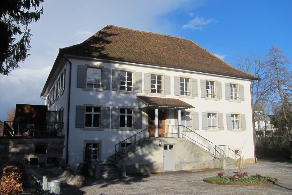 Sonnige renovierte Altbauwohnung in denkmalgeschützter
