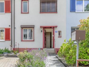 Wilkommen im Hirzbrunnen - 5-Zimmer-EFH mit kleinem aber feinen Garten