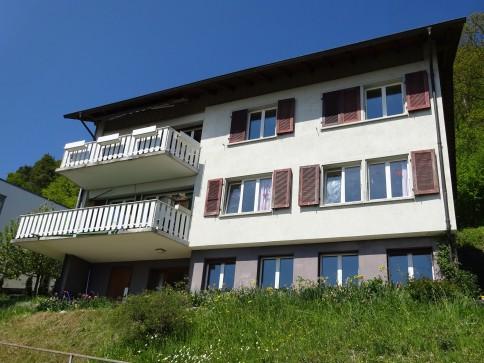 Wohnhaus mit 2 Wohnungen + Werkraum in 3236 Gampelen