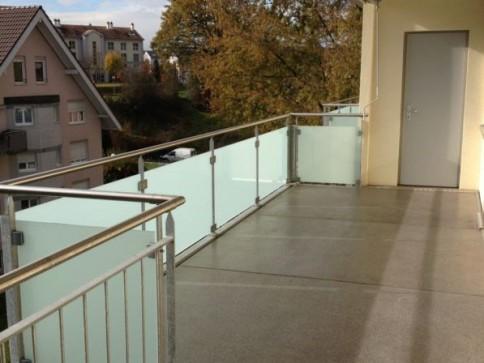 Wohnung mit grossem Balkon und Sicht ins Grüne