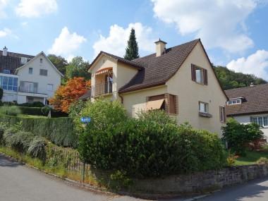 Wunderschönes Einfamilienhaus mit grossem Umschwung an ruhiger Lage