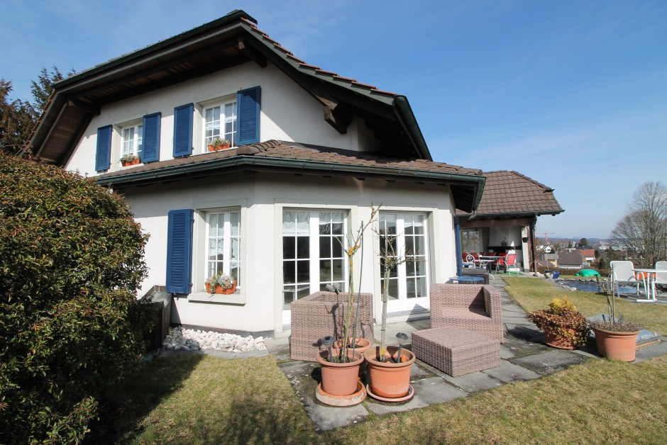 zweifamilienhaus wohnhaus und praxis auf 1275m grossem grundst ck immoscout24. Black Bedroom Furniture Sets. Home Design Ideas