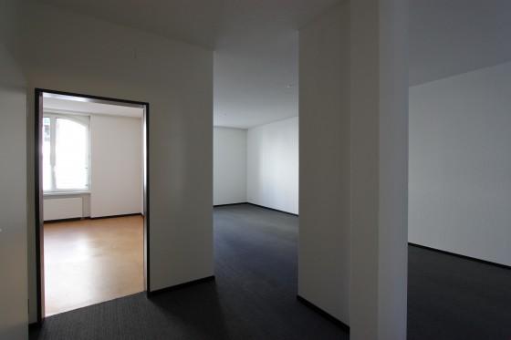 Eingangsbereich mit Blick ins Sitzungszimmer