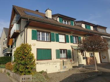 Dreigeschossige Wohnung mit eigenem Eingang und Garten