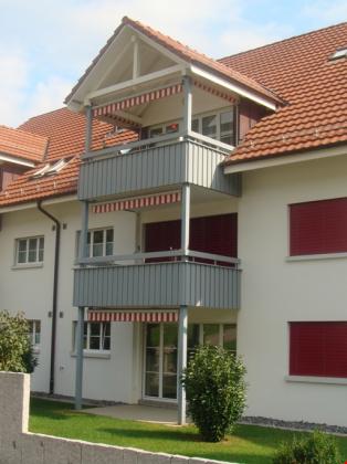 Frontanisicht mit Balkon