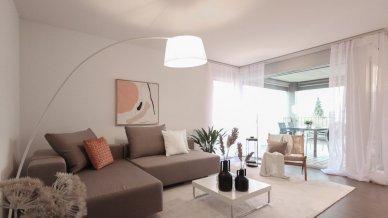 Wohnzimmer / Loggiablick