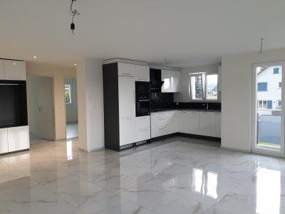 Korridor, Küche und Wohnbereich (spiegelverkehrt)