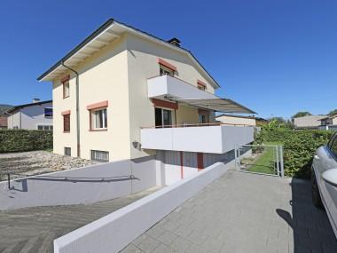 Helles 4.5-Zi Haus mit Cheminée, grosser Terrasse+Garten,Garage+PP