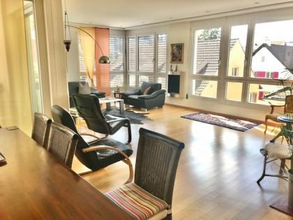 Herrlich helle, moderne, grosszügige und schwellenlose 4 1/2-Zimmer-Wohnung