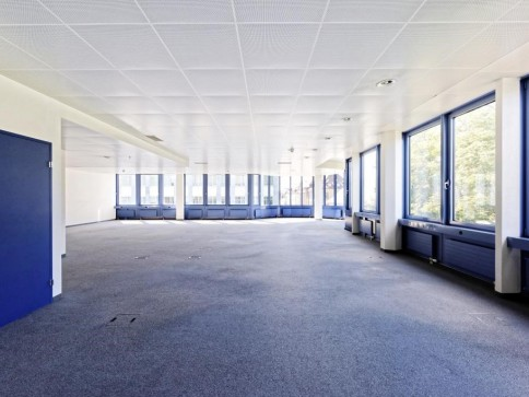 """**""""Open-Space"""" - Knapp 800 m2 auf einer Etage**"""
