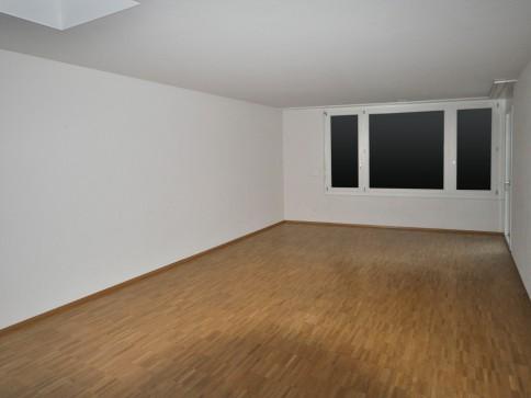2 1/2-Zimmer-Wohnung direkt am Bahnhof Rüti