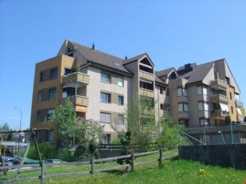 3.5 Zi-Wohnung mit Doppel-Balkon