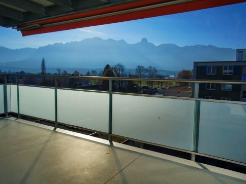 3.5-Zimmerwohnung mit grossem Balkon und Sicht auf Berge