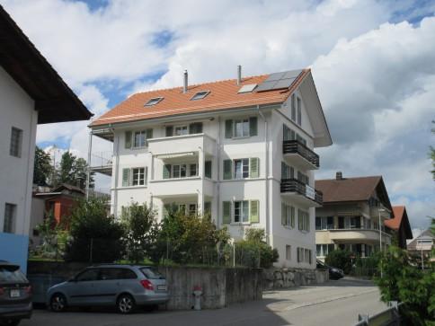 4.5 Zimmer - Wohnung OG in Spiez / 3 Balkone / Aussicht See + Berge