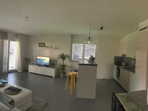 Appartement 2.5 pces dans petit imm. récent