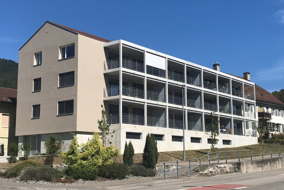 appartements pour seniors avec services au centre de corg mont immoscout24. Black Bedroom Furniture Sets. Home Design Ideas