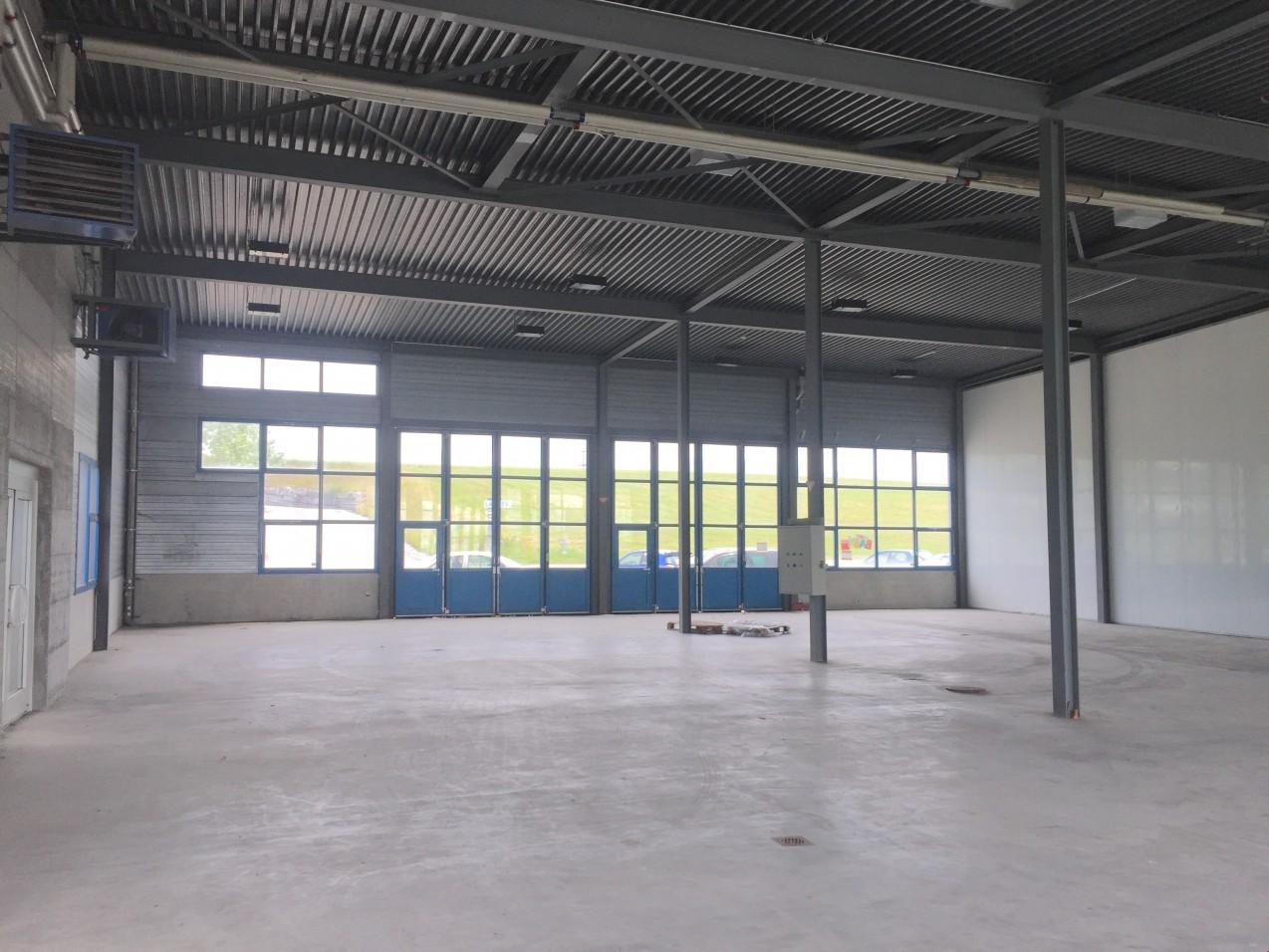 Batiment industriel de 1500 m2 sur terrain de 5000m2 for Prix moyen m2 construction batiment industriel