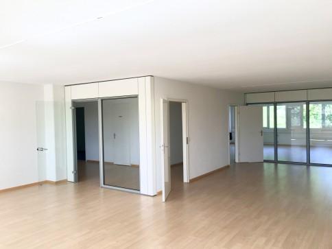 Bureaux, locaux de 172 m2 à louer à Crissier