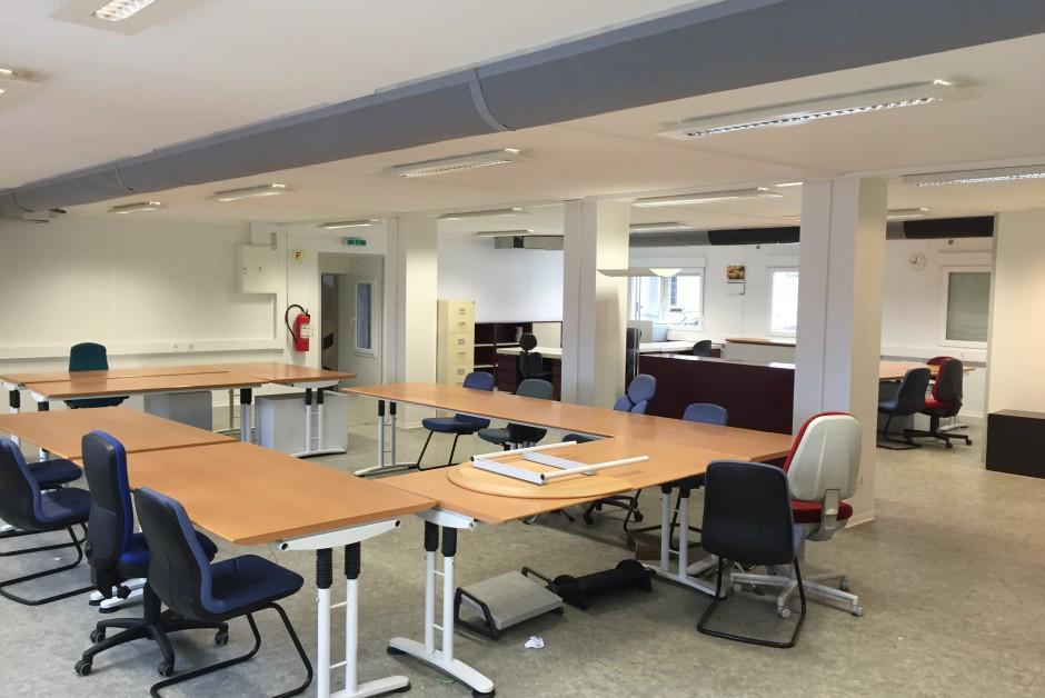 bureaux locaux locaux d finition exemple et image facebook bureaux locaux 22 les nouveaux. Black Bedroom Furniture Sets. Home Design Ideas