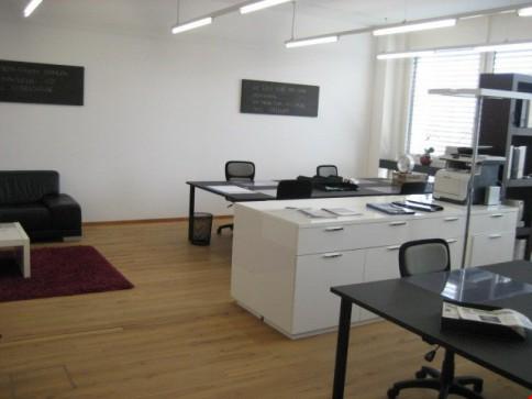 diverse moderne, helle Büros 90m2, Preisangaben im Text
