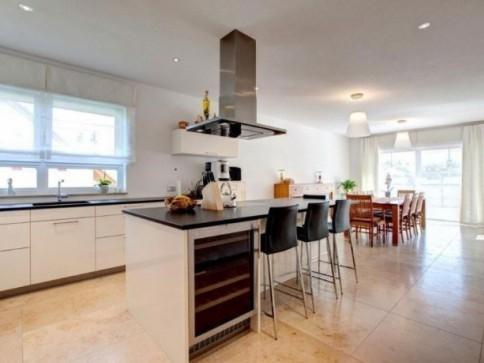Doppeleinfamilienhaus mit Alpensicht - Neubau für die ganze Familie