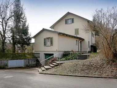 Einfamilienhaus freistehend inkl. Garage und Nebengebäude