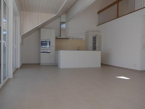 Erstvermietung Dachgeschoss mit grosser Galerie Dorfzentrum Seedorf