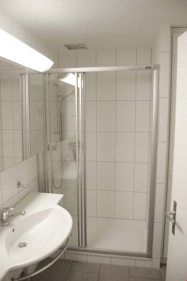 exklusive maisonette wohnung mit grossem gartensitzplatz. Black Bedroom Furniture Sets. Home Design Ideas