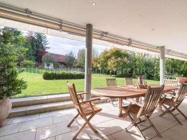 Exklusive Wohneinheit mit eigenem Gartenanteil an ruhiger Lage