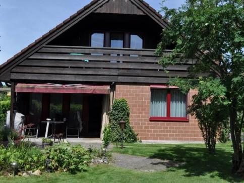 Freistehendes Einfamiliehaus mit grosszügigem Grundstück