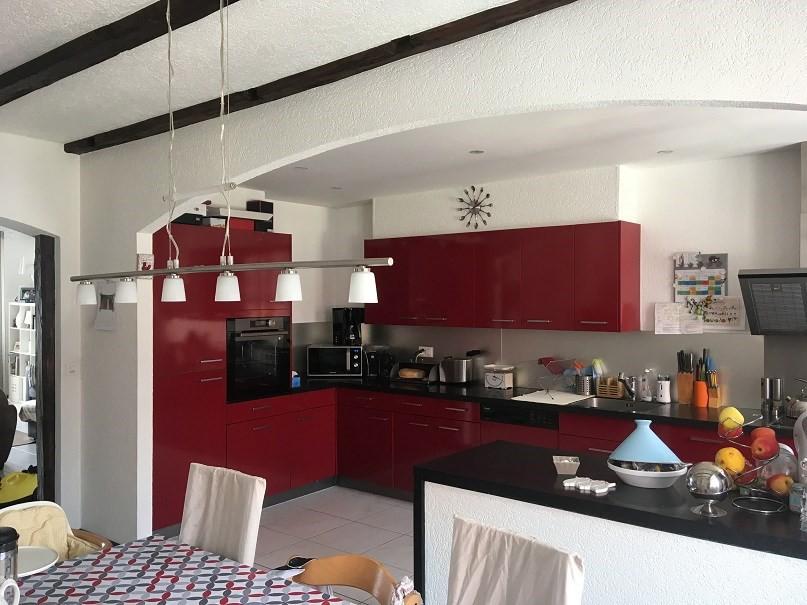 Grand logement avec cheminee et magnifique vue immoscout24 for Cuisine agencee prix