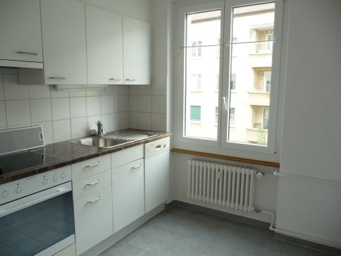 helle 3-Zimmer-Wohnung im Breitenrain mit Balkon