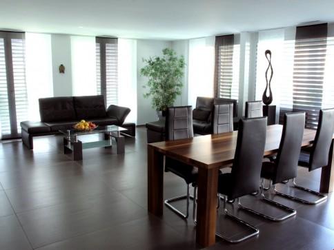 Helle, moderne Wohnung mit grossem Balkon