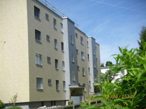 Helle sonnige Wohnung mit Balkon