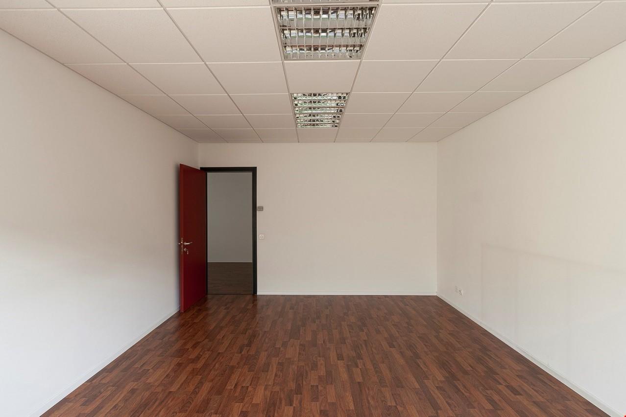 lugano nord bioggio affittasi ampio ufficio in posizione strategica immoscout24. Black Bedroom Furniture Sets. Home Design Ideas