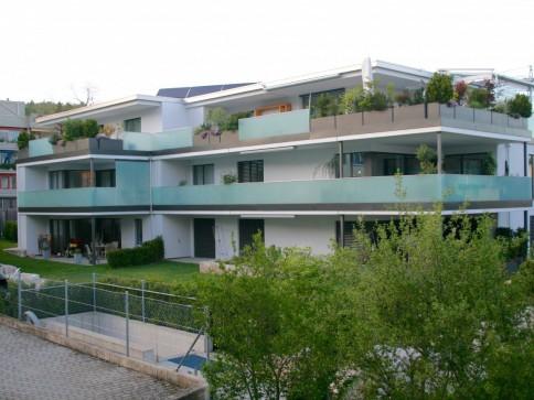 Luxuriöse 5,5 Zimmer-Wohnung im 1 OG. auf der Breite
